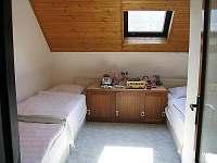 Menší ložnice - apartmán k pronajmutí Velhartice