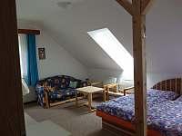 1. ložnice - pronájem chaty Dolní Jílovice