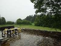 i v dešti paráda - chata ubytování Dolní Jílovice