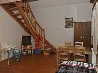 První patro pokoj 2 pětilůžkový s mezonetem