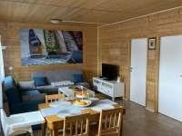 Jídelní stůl - chata ubytování Frymburk