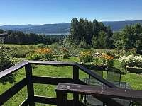 Výhled z terasy - chata k pronajmutí Slupečná