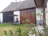 Chalupa Bukovník, dvůr - ubytování Bukovník