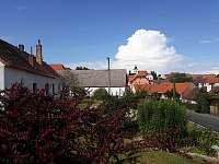 Chalupa Bukovník, výhled ze zahrady - ubytování Bukovník
