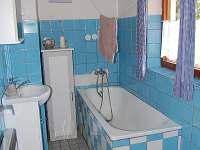 koupelna se záchodem - chalupa k pronájmu Pohorsko