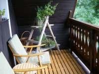 posezení na balkoně - pronájem chalupy Pohorsko