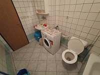 KOUPELNA S WC - apartmán k pronájmu Sušice 3
