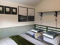 Ložnice v patře: Zelená - rekreační dům k pronájmu Horní Planá