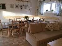 Obývák s jídelnou - rekreační dům ubytování Horní Planá