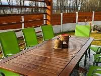 Venkovní terasa - rekreační dům k pronájmu Horní Planá