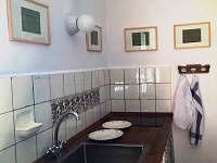 Chalupa - mycí a kuchyňský kout