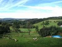 Chalupa - výhled, zahrada