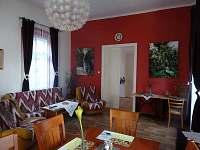 PrimaByt - obývák - pronájem apartmánu Sušice