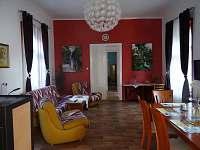 PrimaByt - obývák - apartmán ubytování Sušice