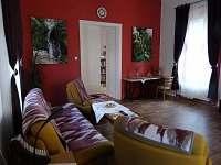 PrimaByt - obývák - apartmán k pronajmutí Sušice