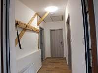 Chodba apartmán 2 - Černá v Pošumaví