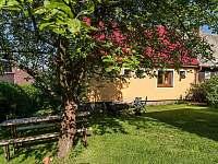 Pohled ze zahrady - chata ubytování Přední Výtoň