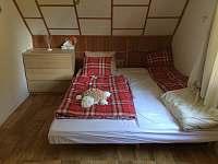 Hlavní spaní v uzavíratelné ložnici