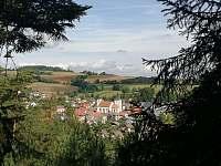 pohled na Velhartice z kopce Borku -