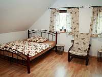 2. ložnice v horním patře - pronájem chalupy Opolenec