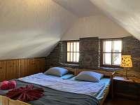druhá ložnice - chalupa k pronájmu Kašperské Hory - Trnov