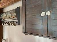 kuchyně detail - chalupa k pronájmu Kašperské Hory - Trnov