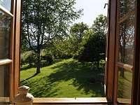 pohled do zahrady - pronájem chalupy Kašperské Hory - Trnov