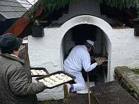 Obecní pec na pečení chleba Lenora - chata k pronájmu Volary