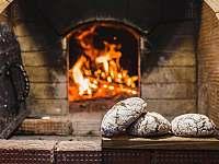 Pečení chleba Lenora. - Volary