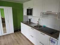 Kuchyně - pronájem apartmánu Stožec
