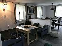 obývací pokoj - roubenka ubytování Dešenice