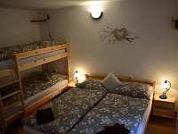 apartmán č. 2, ložnice - chata k pronajmutí Horní Planá