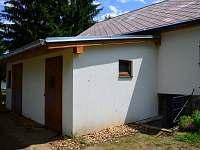 dveře do kolárny - pronájem chaty Horní Planá