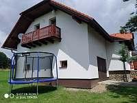 Chalupa Záluží u Sušice - trampolína -