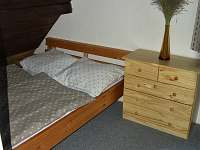 ložnice malá - chata k pronajmutí Pohorsko