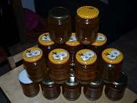 možnost koupě medu a dalších produktů z farmy