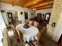 jídelní stůl - Týřovice