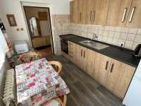 kuchyň - chalupa k pronajmutí Týřovice