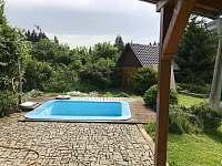 bazen a zahrada - Černá v Pošumaví - Plánička