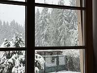 vyhled z jidelny na okoli - chalupa ubytování Černá v Pošumaví - Plánička