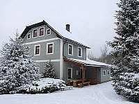 Kovárna v zimě - chalupa k pronájmu Pěkná