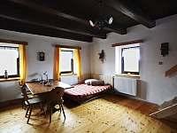 Kuchyně - společná místnost - pronájem chalupy Pěkná