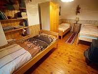 Ložnice v dolním apartmánu - Pěkná