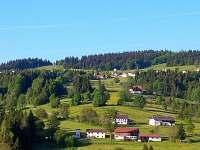 pohled na Mitterfirmiansreut z české Šumavy
