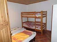Druhá ložnice - chalupa k pronajmutí Dolní Nakvasovice