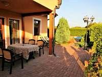 Vila Lipno Frymburk - posezení na terase - ubytování Frymburk