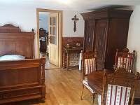 Ložnice C s renesanční postelí o šířce 130 cm - Rohanov