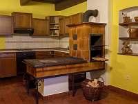 kuchyň s kach. kamny - Bezděkov nad Metují