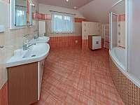 Koupelna - patro - pronájem chaty Jeníkovice