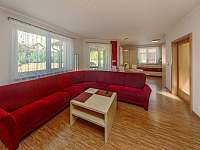 Obývací pokoj - chata k pronajmutí Jeníkovice